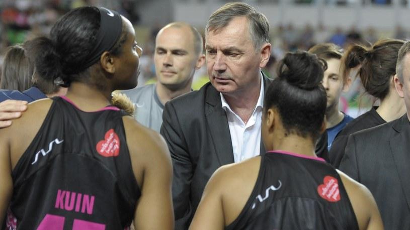 Tomasz Herkt z zawodniczkami Artego Bydgoszcz /Eurosport