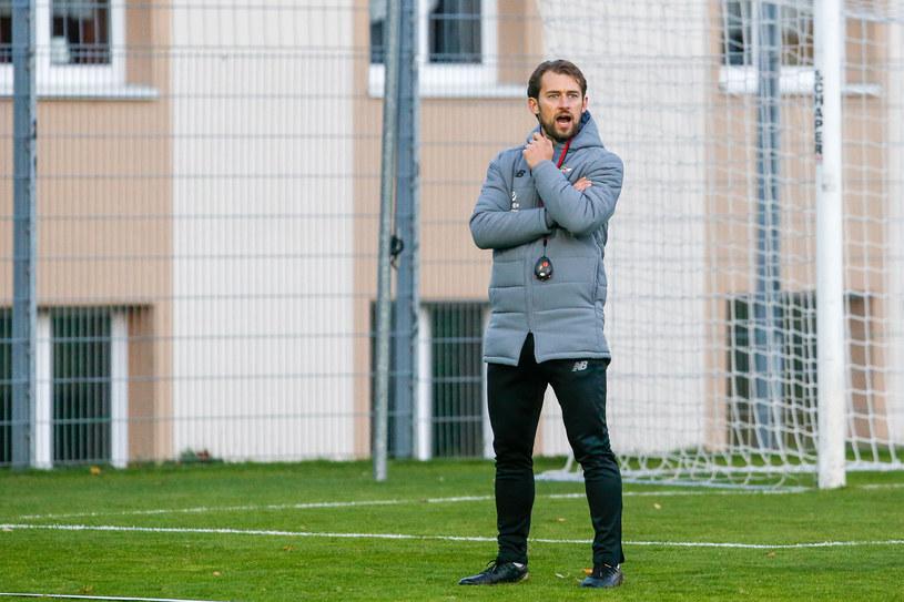 Tomasz Kaczmarek, trener Lechii Gdańsk, podczas treningu /GRZEGORZ RADTKE / 058sport.pl / NEWSPIX.PL /Newspix