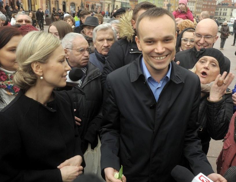 Tomasz Kalita podczas kampanii wyborczej Magdaleny Ogórek /Jan Bielecki /East News