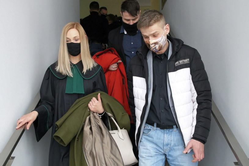 Tomasz Komenda i mecenas Magdalena Stanisławska-Czop w Sądzie Okręgowym w Opolu /Krzysztof Świderski /PAP