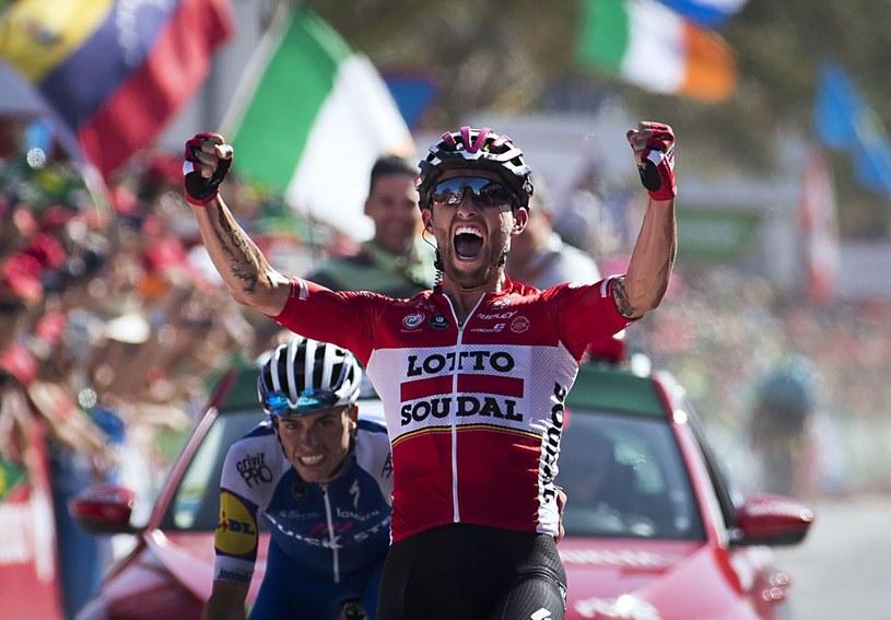 Tomasz Marczyński cieszy się z etapowego zwycięstwa w wyścigu Vuelta a Espana /AFP