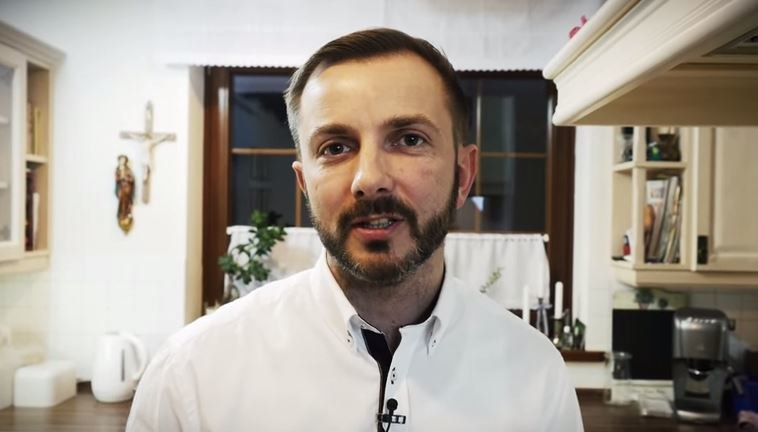 """Tomasz Rożek to popularyzator nauki. Prowadzi swój kanał na YouTube """"Nauka. To lubię"""" /YouTube"""
