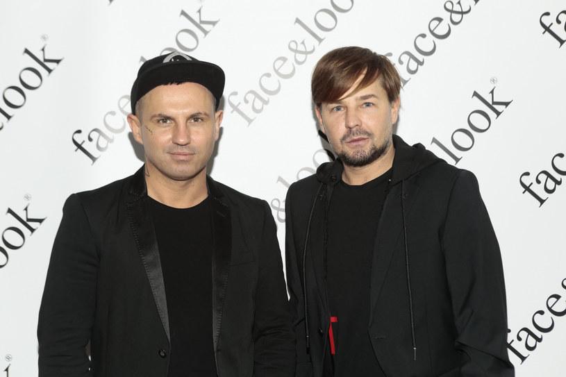 """Tomasz Schmidt i Andrzej Wierzbicki prowadzą program """"Ostre cięcie"""" /Adam Jankowski /Reporter"""