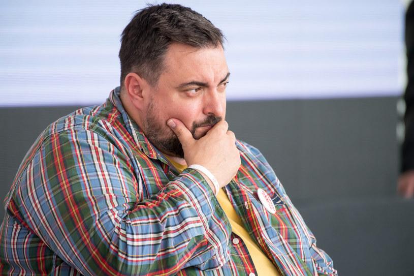 Tomasz Sekielski musiał poddać się operacji zmniejszenia żołądka /Wojciech Strożyk REPORTER /East News
