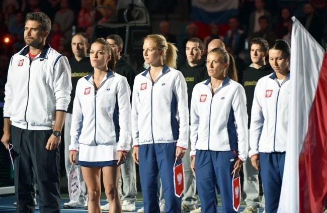 Tomasz Wiktorowski, obok którego stoją (od lewej): Agnieszka Radwańska, Urszula Radwańska, Alicja Rosolska, Klaudia Jans-Ignacik /Jacek Bednarczyk /PAP
