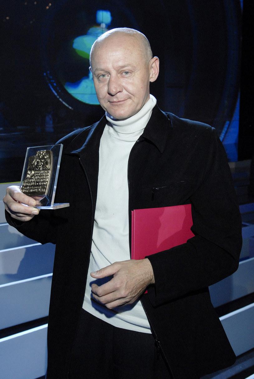 Tomasz Wiszniewski z nagrodą dla najlepszego reżysera na Festiwalu Filmowym w Gdyni w 2007 roku /AKPA