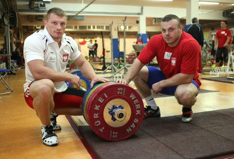 Tomasz Zieliński (z lewej) i Adrian Zieliński /Artur Hojny /East News