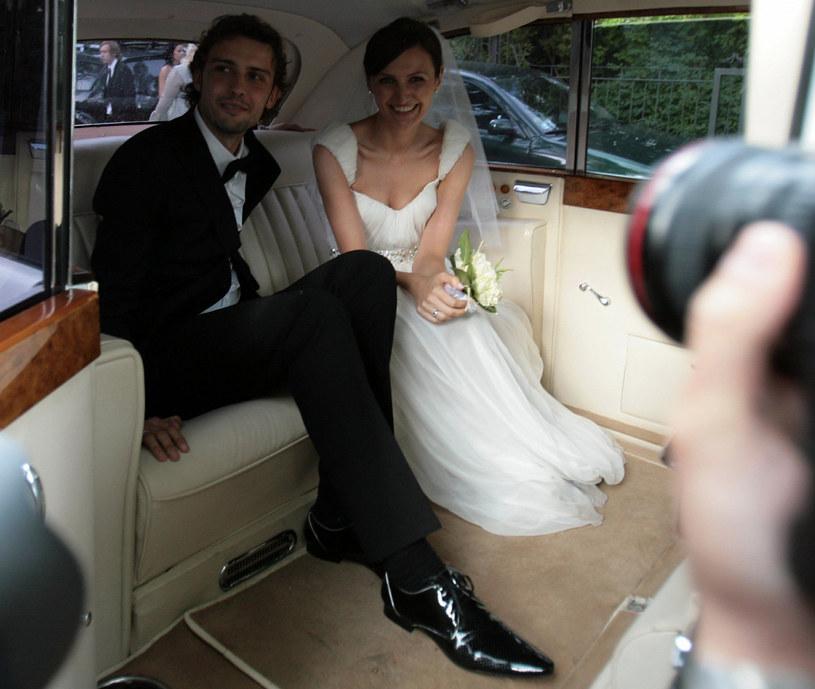 Tomek i Reni w dniu ślubu /Adam Nocon/REPORTER /East News
