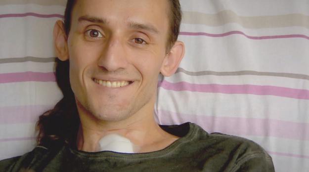 Tomek Kowalski miał poważny wypadek na motocyklu /Polsat