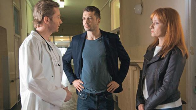 Tomek w końcu się dowie, że Agnieszka jest w ciąży, a jej zdrowie pozostawia wiele do życzenia /Świat Seriali