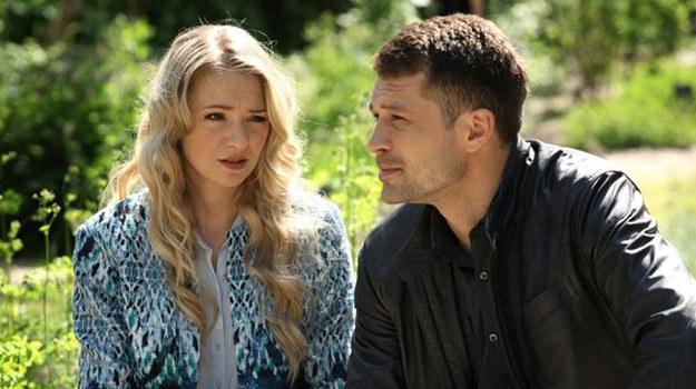 Tomek wyzna Joasi, że bardzo mu na niej zależy i nie chce, by coś jej się stało! /www.mjakmilosc.tvp.pl/