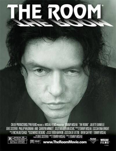 "Tomy Wiseau na plakacie filmu ""The Room"" /materiały dystrybutora"