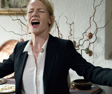 """Toni Erdmann"": Sandra Hüller śpiewa hit Whitney Houston"