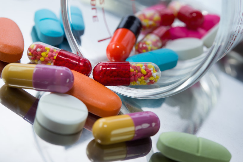 TOP 10 nieobecnych leków w Polsce:  Azyter, Betadrin, Betnovate c masc, Systern 50, Systern conti, Vetira 500 MG, Dalacin krem , Duracef, Euthyrox N 88, Methotrexat-Ebewe 10 mg , /123RF/PICSEL