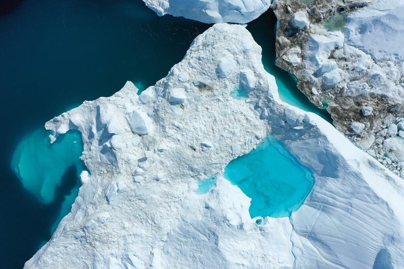 Topniejące lodowce na Grenlandii /Sean Gallup /Getty Images