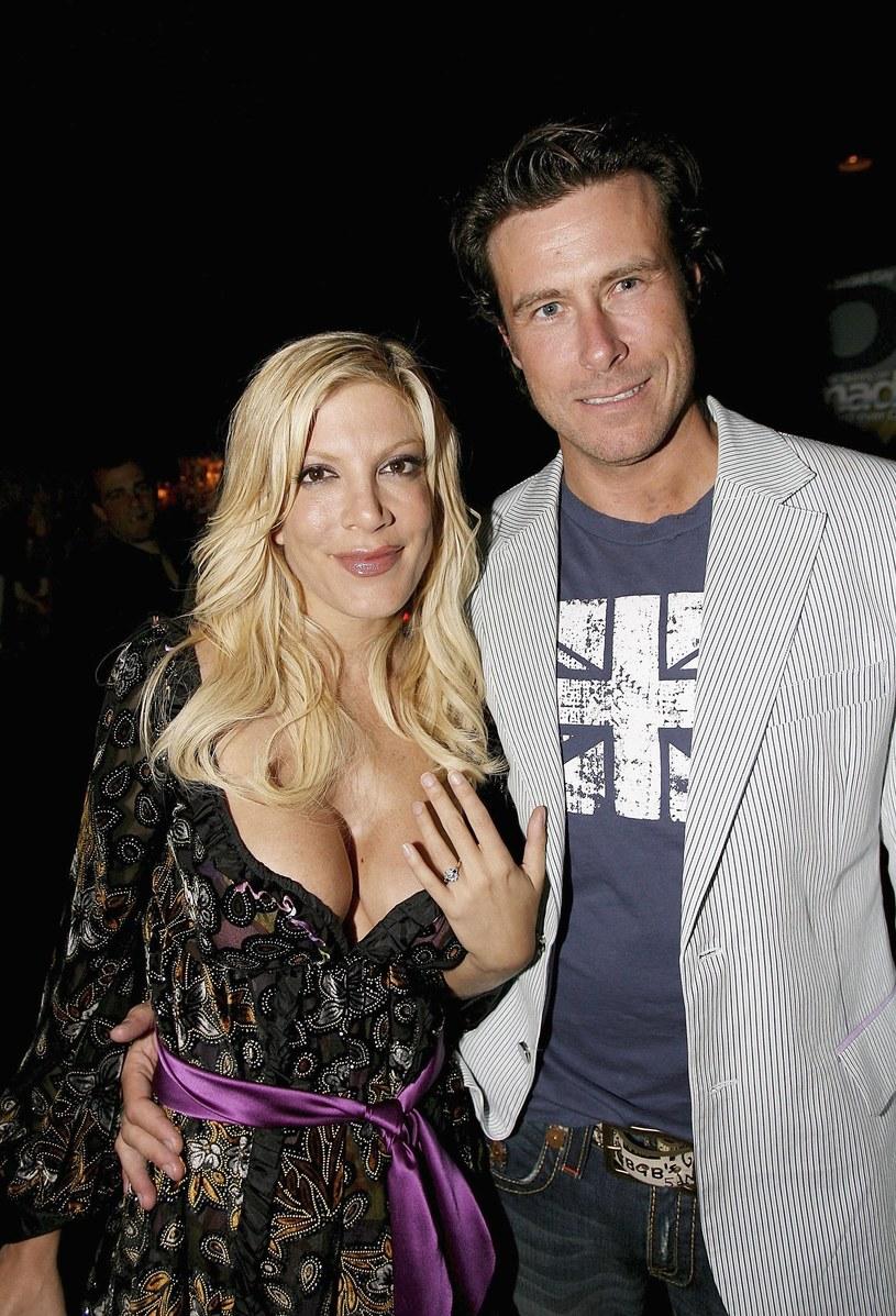 Tori Spelling z drugim mężem Deanem McDermottem /Ben Gabbe /Getty Images