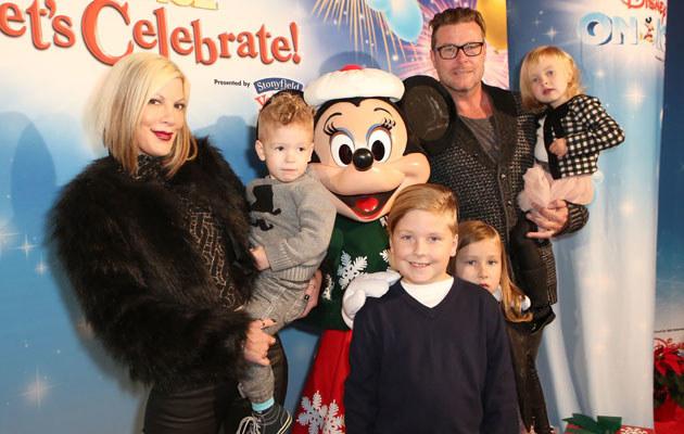 Tori Spelling z mężem i dziećmi /Ari Perilstein /Getty Images