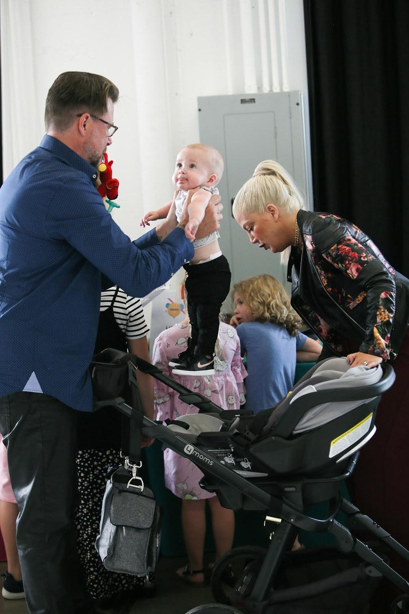Tori Spelling z mężem i dziećmi /David Livingston /Getty Images