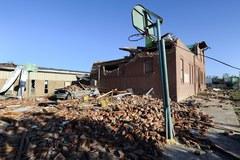 Tornada i burze sieją zniszczenie w USA