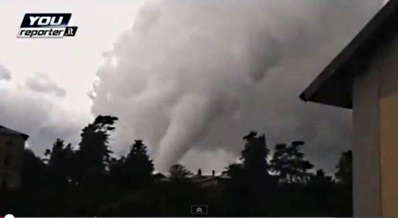 Tornado zniszczyło przedmieścia Mediolanu /YouTube