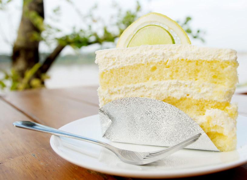 Tort cytrynowy /123RF/PICSEL
