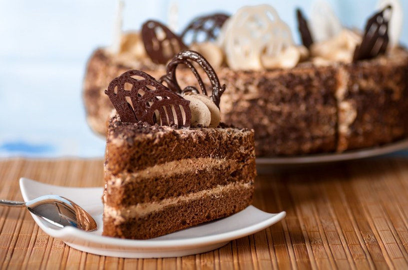 Tort czekoladowy /123RF/PICSEL