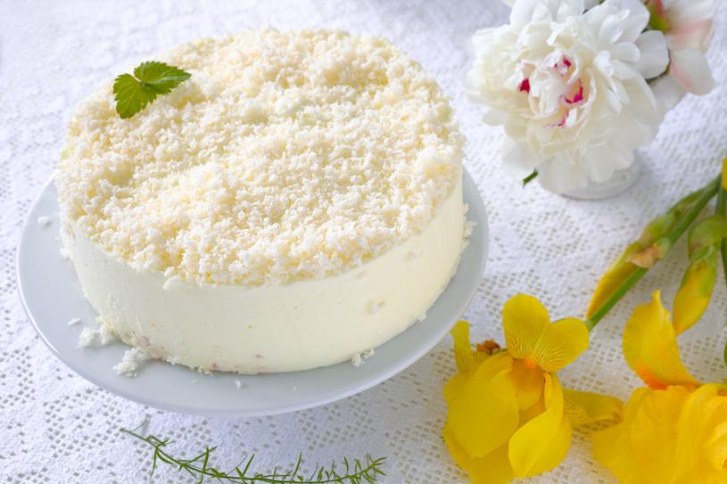 Tort kokosowy /123RF/PICSEL