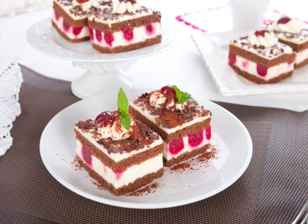 Tort szwarcwaldzki - najsłynniejsze ciasto niemieckie! /123RF/PICSEL