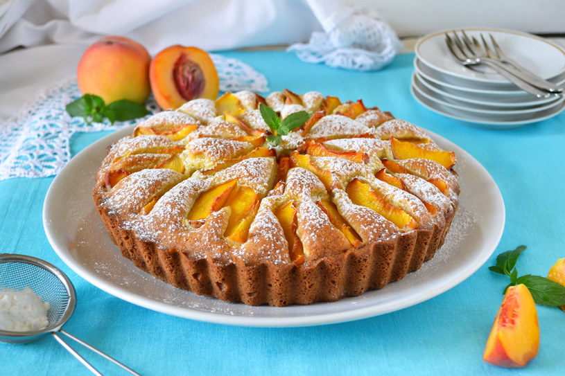 Tort z owocami /123RF/PICSEL