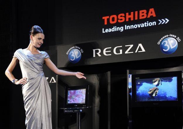 Toshiba już od jakiegoś czasu wprowadza na rynek kolejne telewizory 3D nie wymagające okularów /AFP