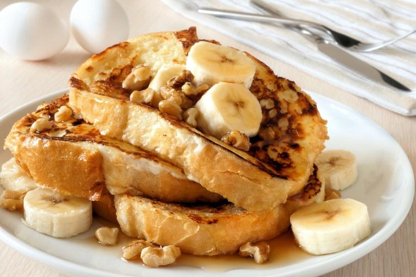 Tosty francuskie na ciepło z bananami - śnidanie, które zrobisz w pięć minut /123RF/PICSEL