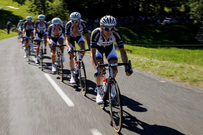 Tour de France: Kolarze na trasie 12. etapu /YOAN VALAT  /PAP/EPA