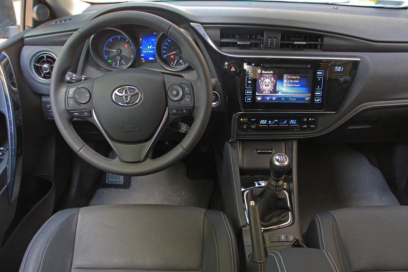 Nowa Toyota Auris Ts Niemal Wzorowy Face Lifting Motoryzacja W
