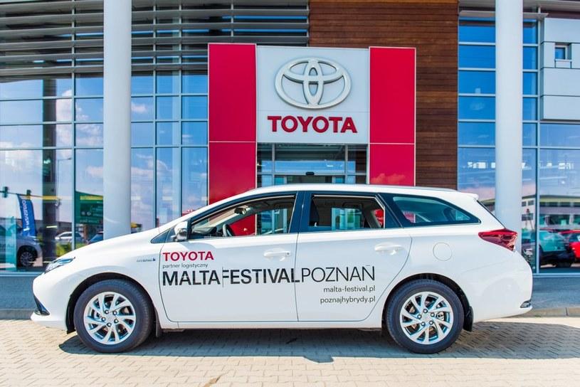 Toyota Auris TS Hybrid /