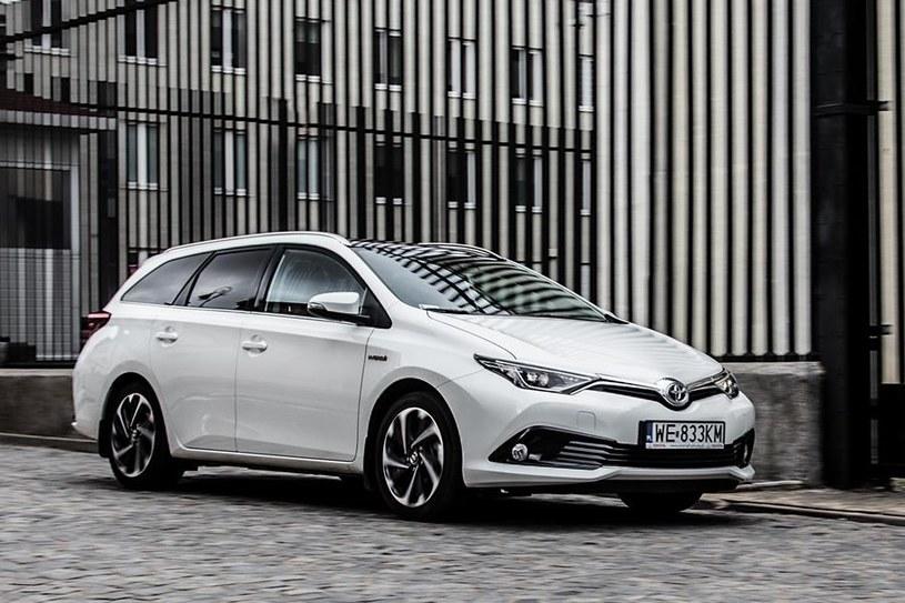 Toyota Auris /