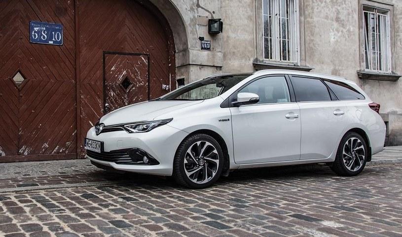 Toyota Autis TS Hybrid /