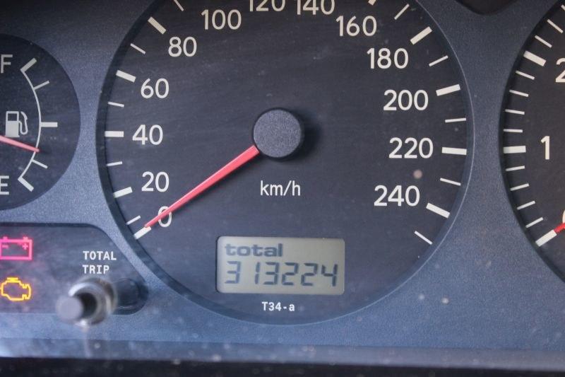 Toyota Avensis - licznik wskazuje ponad 300 tys. km /INTERIA.PL