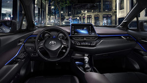 Toyota C-HR - oto wnętrze