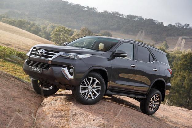 Toyota Fortuner /Toyota