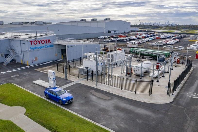 Toyota Hydrogen Centre /