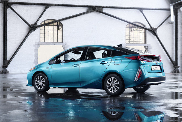 Toyota Prius Plug-In /Toyota