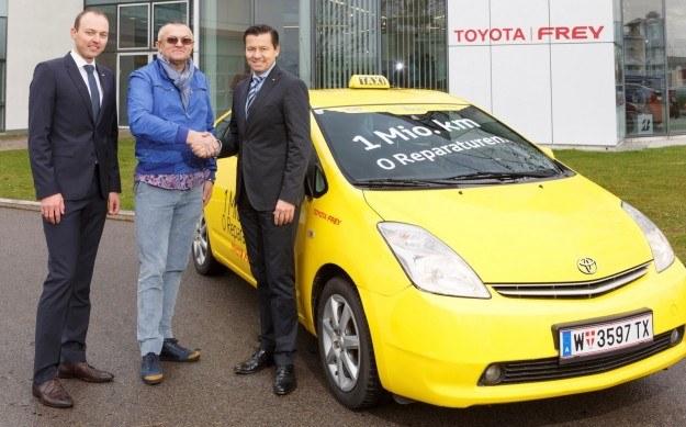 Toyota Prius z przebiegiem 1 mln km /Toyota