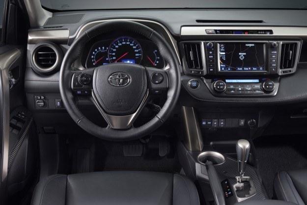 Toyota RAV4 /