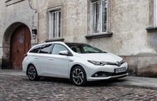 0007PUVNBQQLPTXA-C307 Toyota rozpoczyna wyprzedaż rocznika 2018