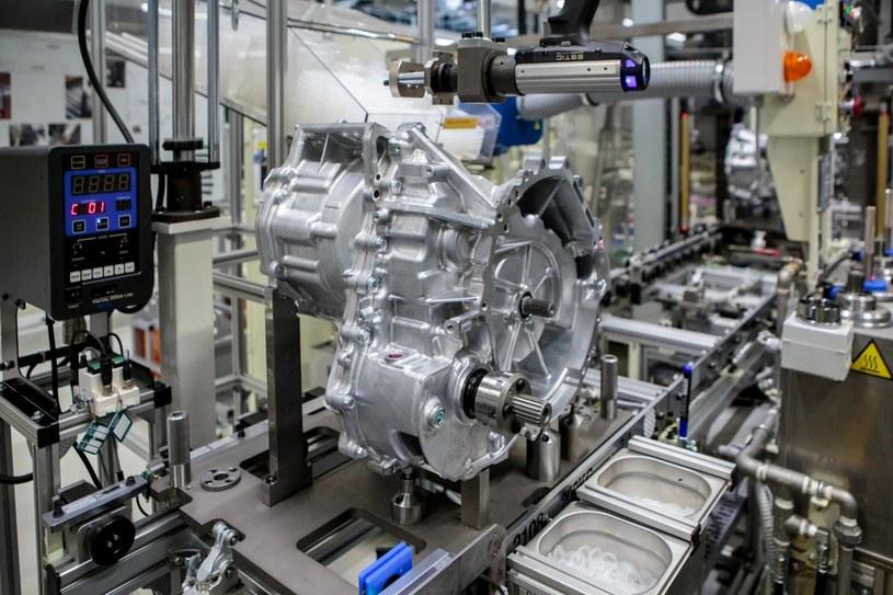 Toyota uruchomiła drugą linię produkcyjną małej elektrycznej przekładni do napędów hybrydowych /