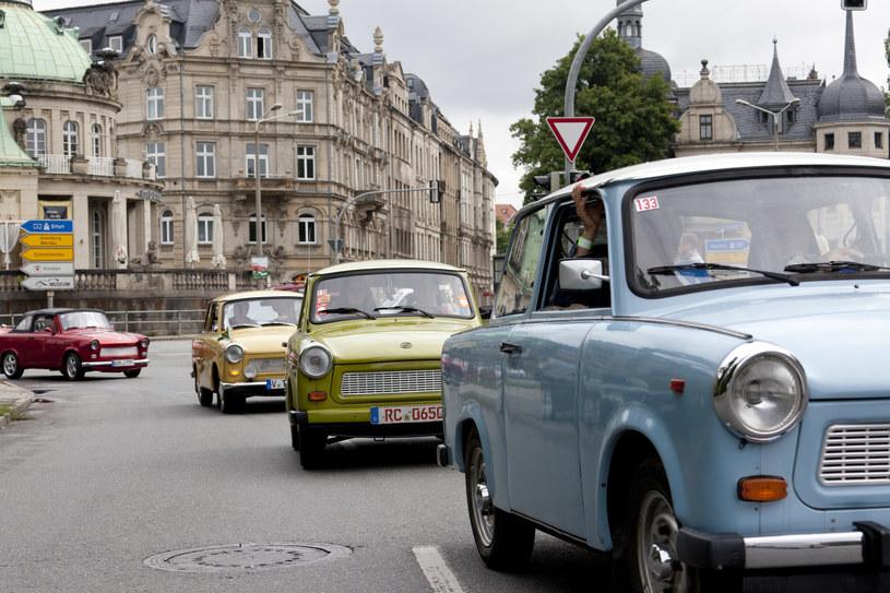 Trabant obecnie jest dla wielu autem kultowym /Carsten Koall /Getty Images