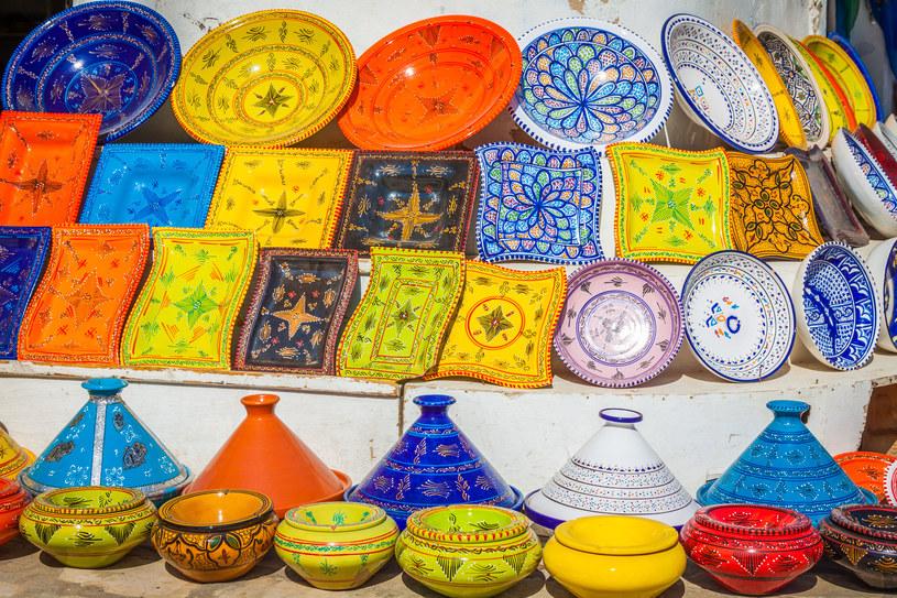 Tradycyjna ceramika wyrabiana na Dżerbie od pokoleń /123RF/PICSEL