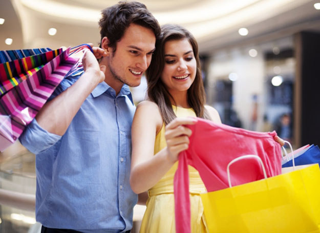 Tradycyjne zakupy odchodzą do lamusa? /123RF/PICSEL