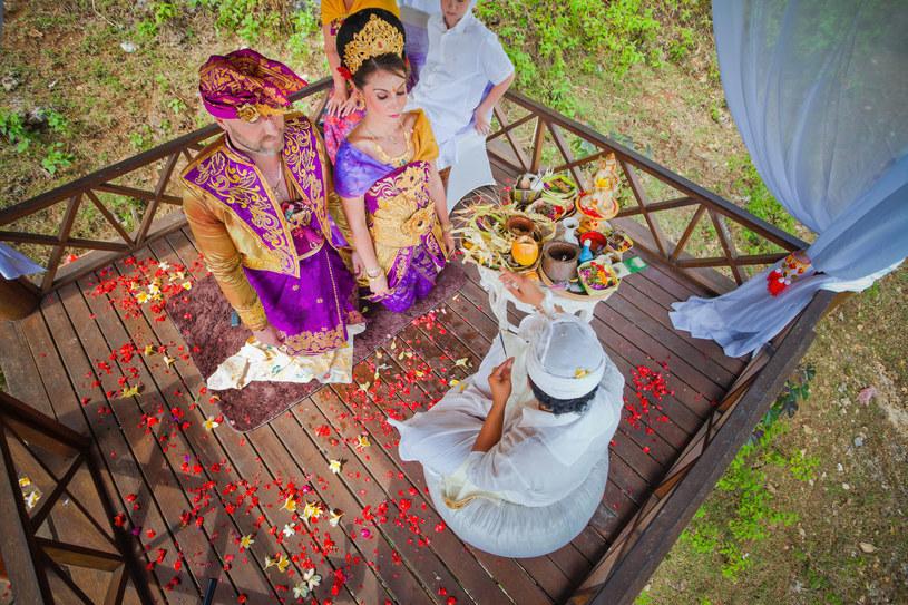 Tradycyjny balijski ślub /123RF/PICSEL