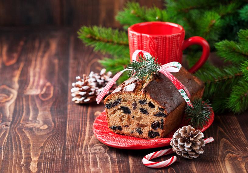 Tradycyjny keks powinien zawierać jak najwięcej bakalii /123RF/PICSEL